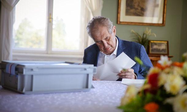 Стал известен диагноз президента Чехии Милоша Земана