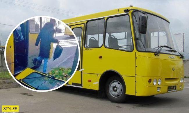 В Киеве у маршрутки во время движения отпали двери: на перевозчика составили шесть протоколов (ФОТО)