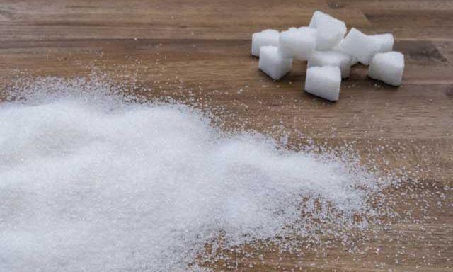 Украинцев предупредили о новых ценах на сахар: когда и как изменится ценник