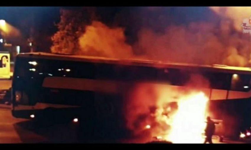 В Польше во время движения загорелся автобус с украинцами (ВИДЕО)