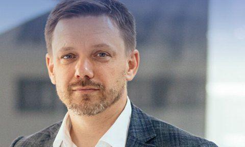 """После скандала со """"Схемами"""" набсовет """"Укрэксимбанка"""" уволил Евгения Мецгера"""