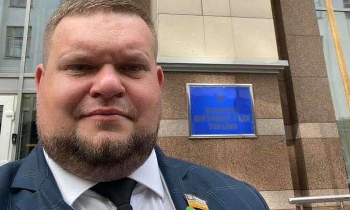 «Слуга» Клочко попался на лжи относительно состояния мамы-миллионерши - журналисты (ВИДЕО)