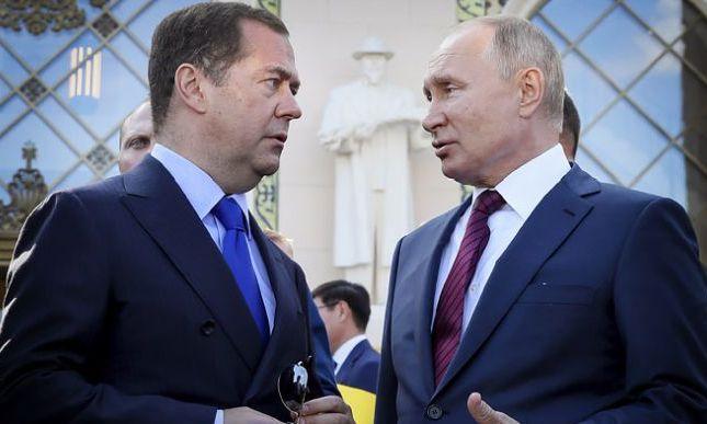 Дмитрий Медведев написал статью об Украине с ксенофобскими акцентами