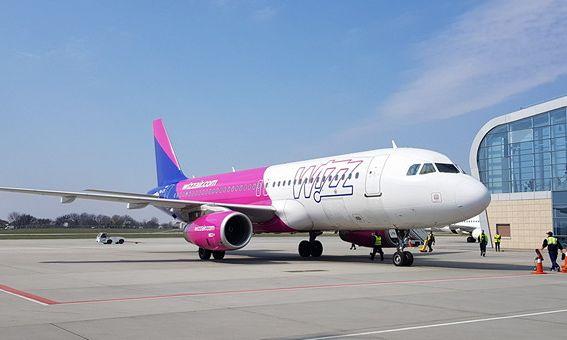 Wizz Air откроет более 25 новых рейсов из Украины: куда полетим