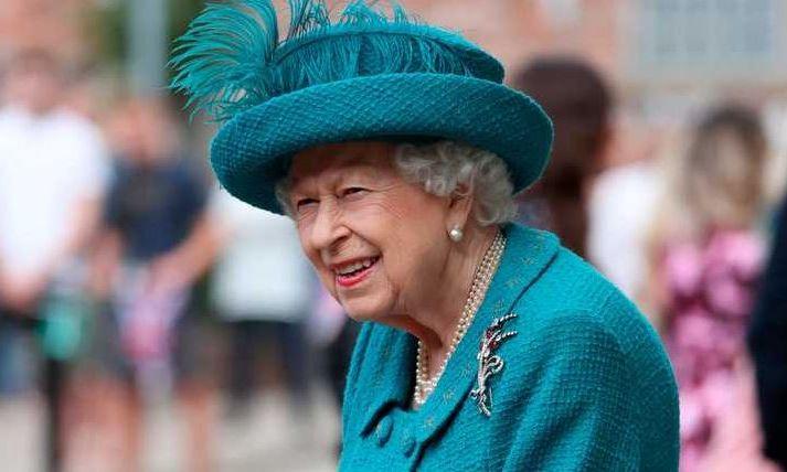 Королева Великобритании Елизавета II прислала крымским школьникам письмо, указав, что Крым – Россия